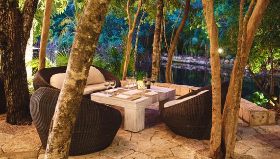 catalonia_royal_tulum_-terrace-tapas-lounge