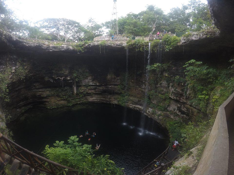 Cenote Selva Maya